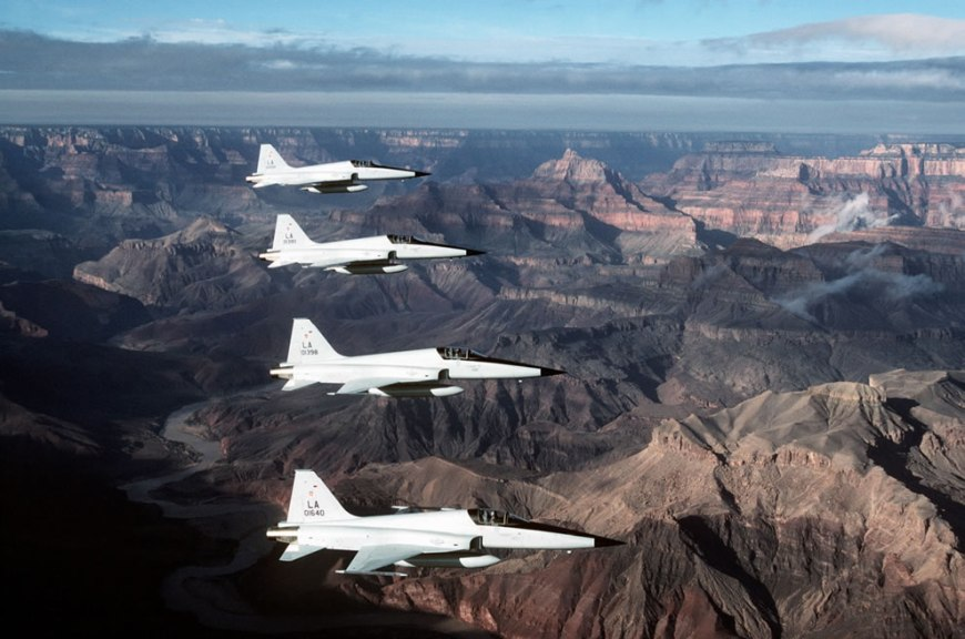 4 U.S. Air Force Northrop F-5E Tiger II fighters from the 58th Tactical Fighter Wing at Luke Air Force Base, Arizona (USA), flying in an echelon left formation over the Grand Canyon