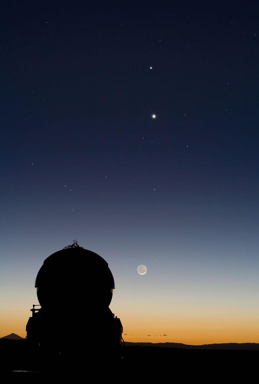 Celestial Tic-Tac-Toe - Mercury, Venus and the Moon Align