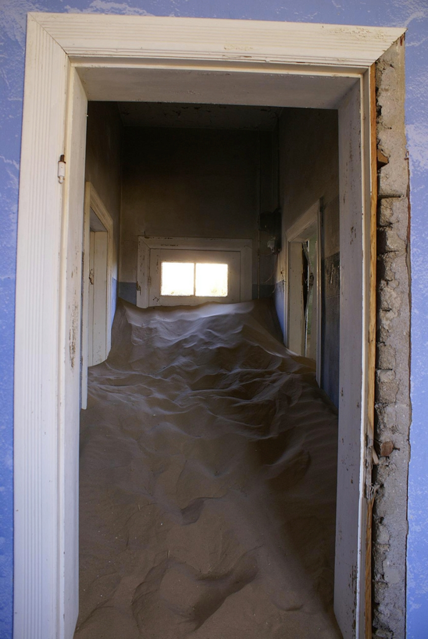 sand devouring house in Kolmanskop