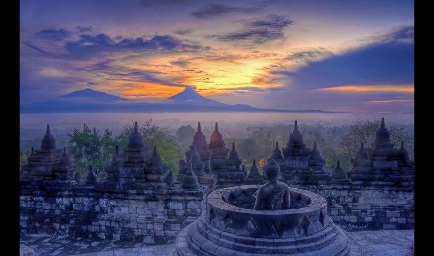 Borobudur stupa sunrise - java
