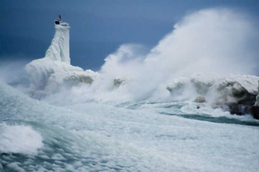 Furious Lake Michigan Petoskey - waves and ice