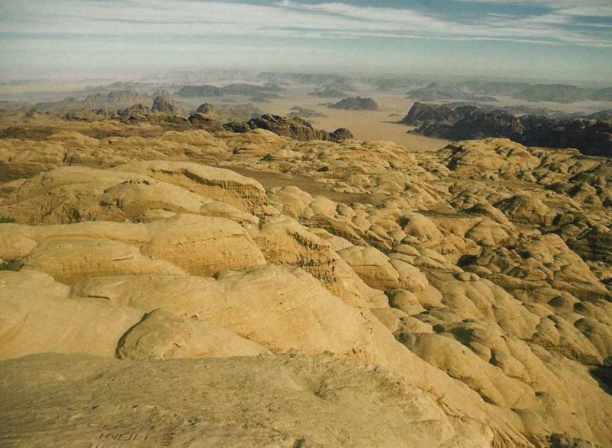 Jebel Rum domes - between the domes are huge chasms, or siqs