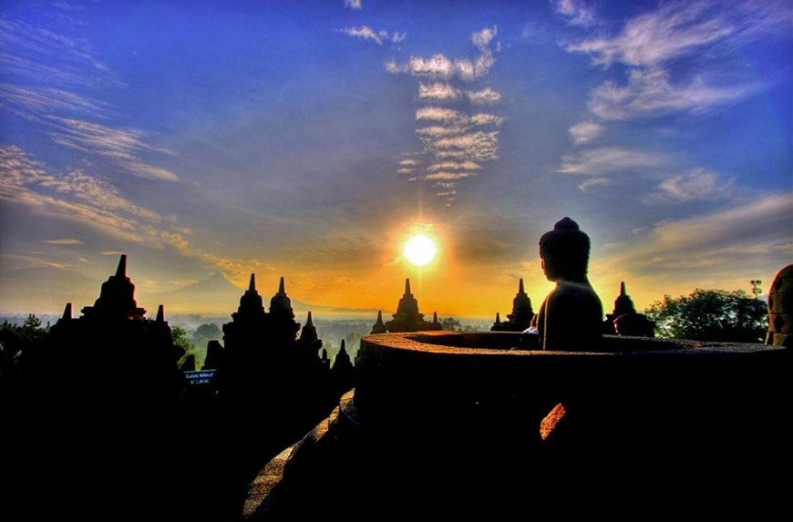 Sunrise at Borobudur temple