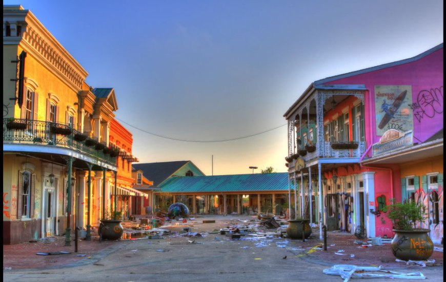 2011 Main Entrance of abandoned Six Flags New Orleans