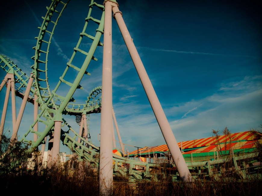 abandoned amusement park Six Flags in New Orleans