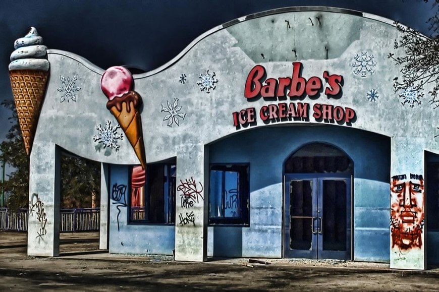Barbe's Ice Cream Shop - abandoned Six Flags New Orleans
