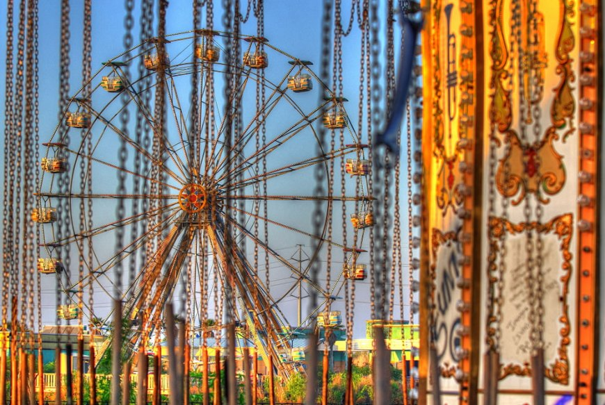 chained dreams of fun at Six Flags New Orleans, abandoned jazzland