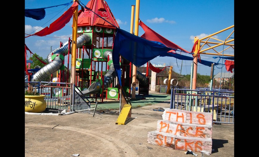 Looney Tunes Playgrounds Apparently Suck at Six Flags New Orleans