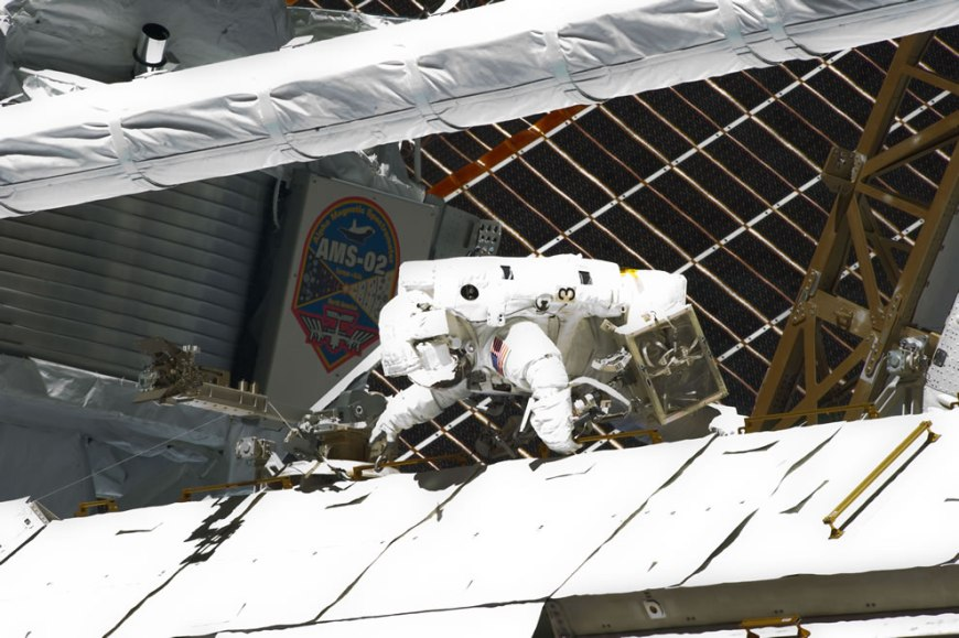 May 27 Endeavor STS-134 mission