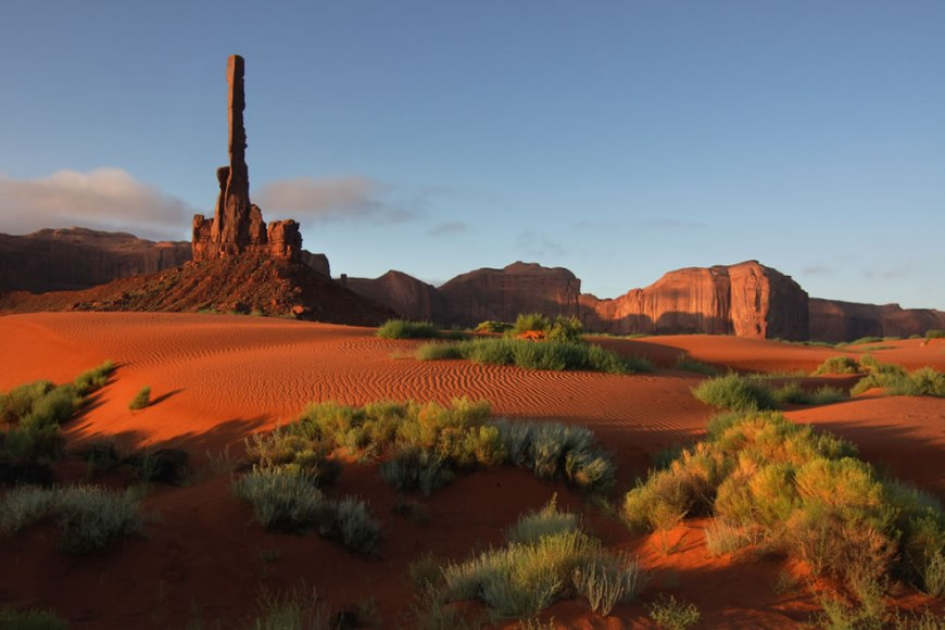 Totem pole Monument Valley