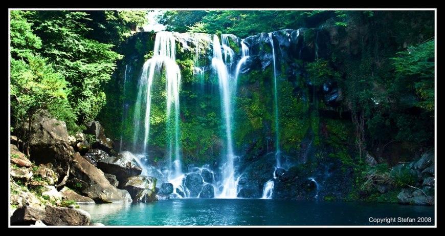 Cheonjiyeon Waterfall and all its glory
