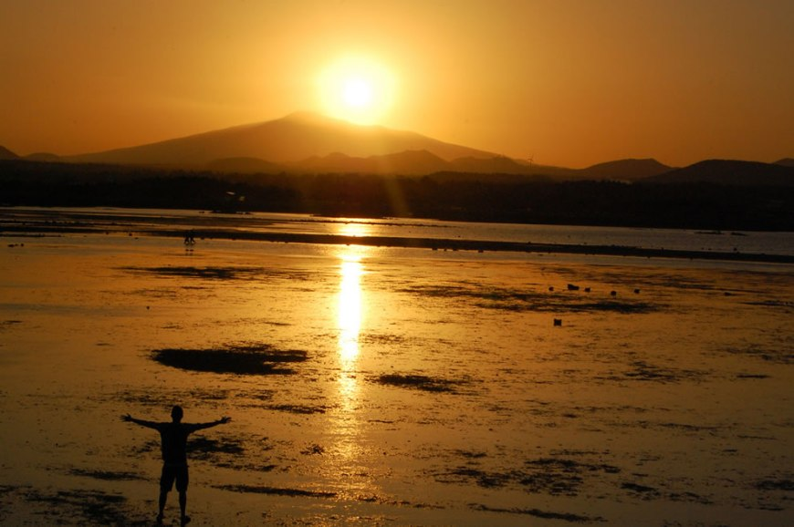 Jeju Island - Seongsan Ilchulbong 성산 일출봉 which means sunrise peak