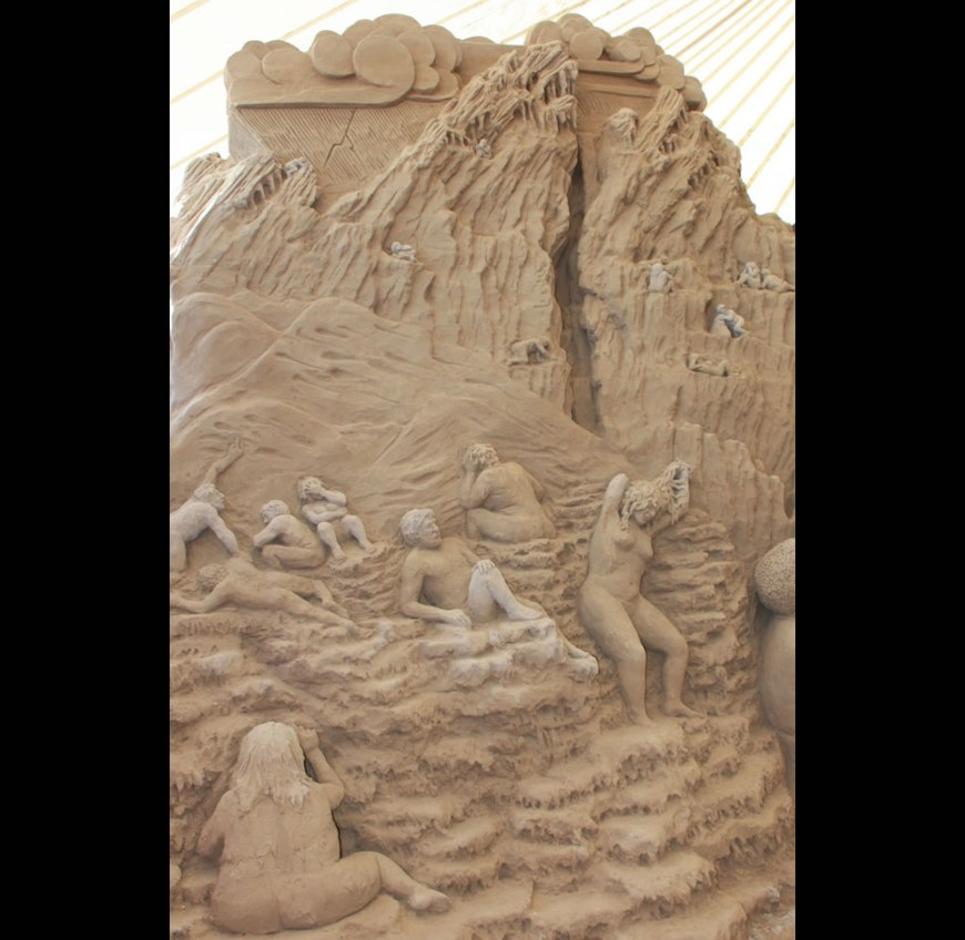The Gluttons sand sculpture in Dante's Hell - Circle 3