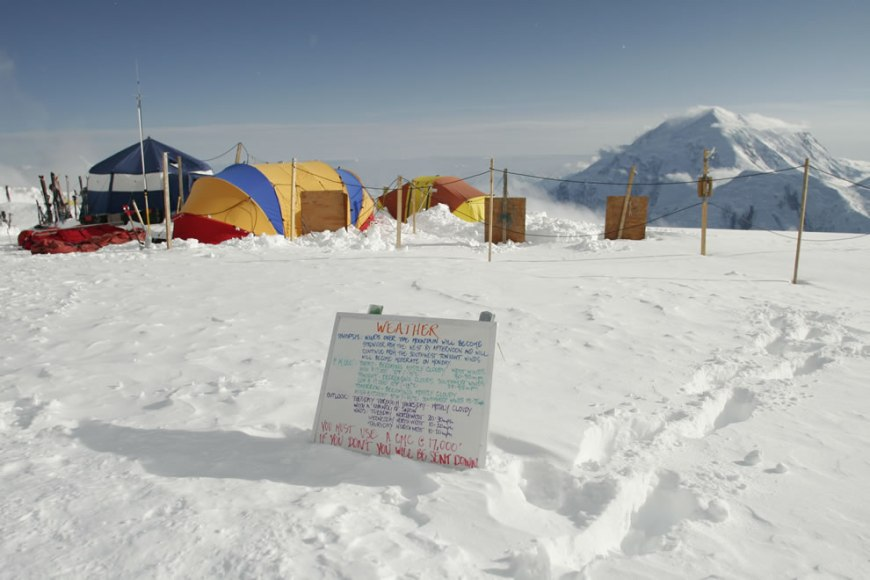 Mountaineering Denali National Park weather warning - high winds forecast at the 14,200-foot camp