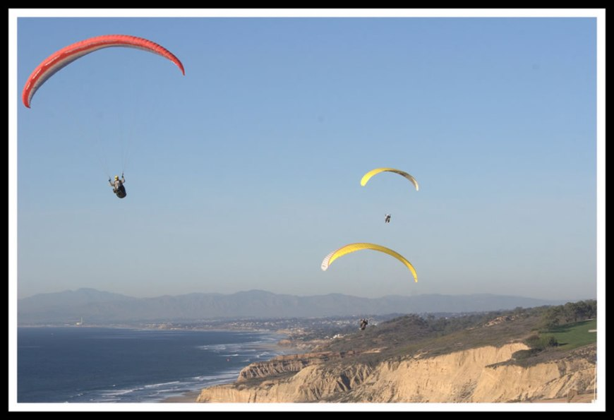 paragliding at torrey pines, san diego