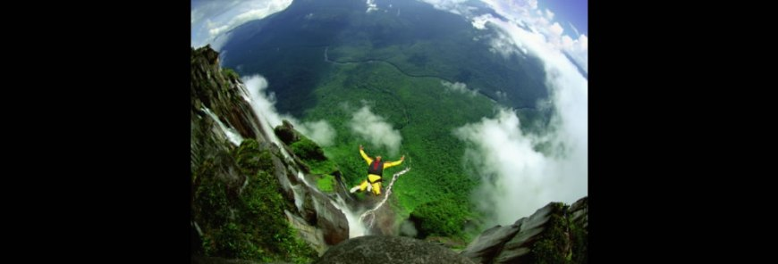 Angel Falls Base jumping Freefall