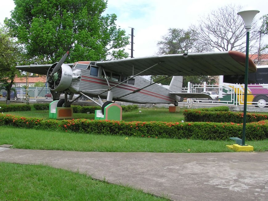 Jimmie Angel found Salto Angel by 'crashing' this plane