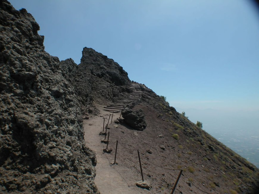 To the top of Vesuvius