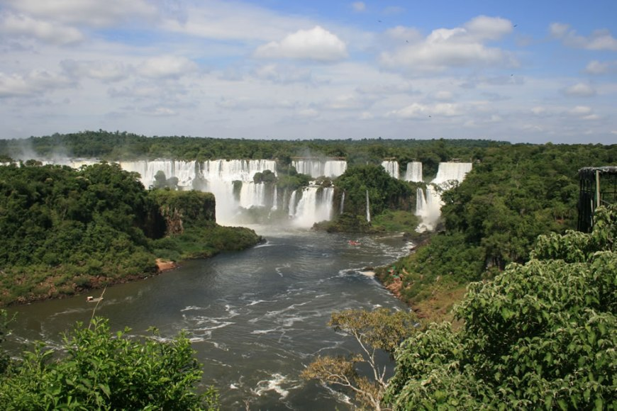 Iguaçu Falls (Devil's Throat) from the Brazilian side