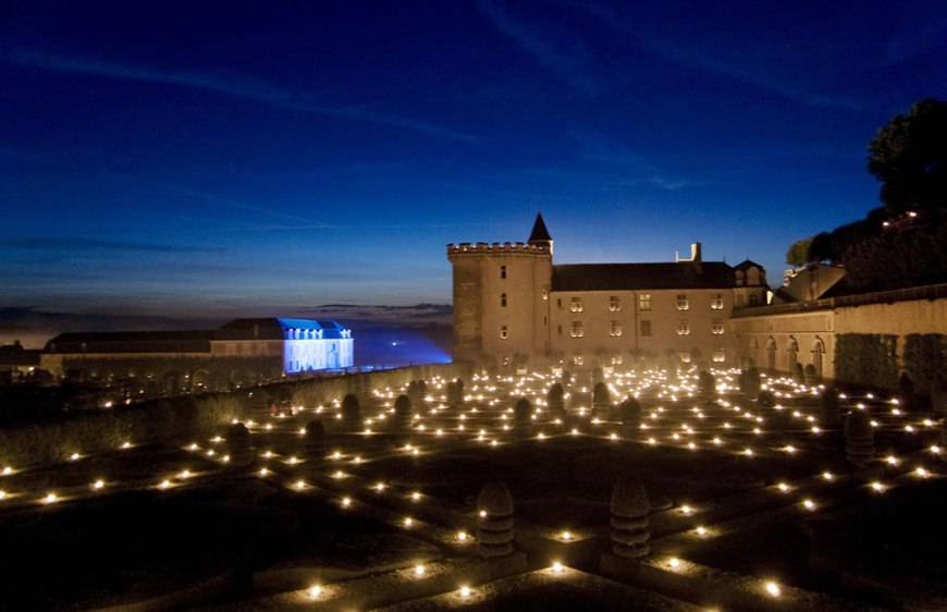 Les Nuits des Mille Feux 2,000 candles light up the Château and gardens