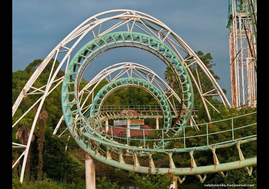 August 2011 Screw rollercoaster at abandoned Nara Dreamland, Japan