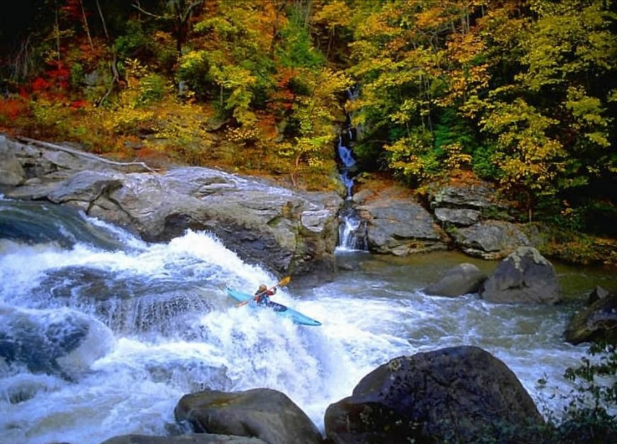 get wet, enjoy nature, extreme kayaking