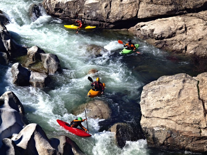 Mediterranean, Kayaking upstream of Ponte Altu, Corsica