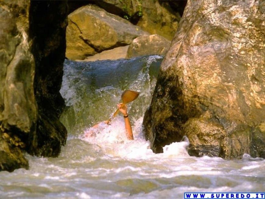 nearly drowning kayaker