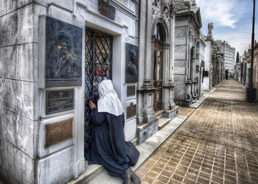 A Lonely Prayer at the Crypt