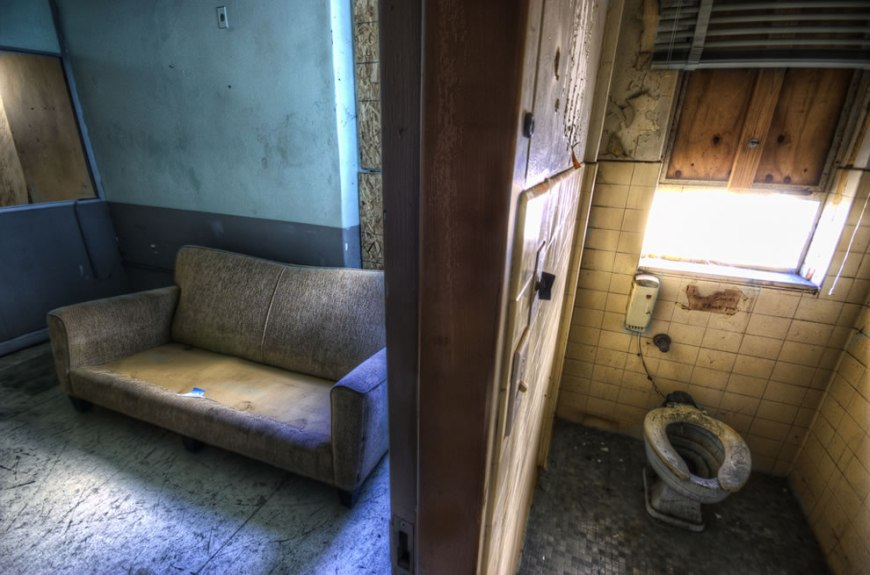 Disgusting, dirty, abandoned and haunted room. Doesn't ...