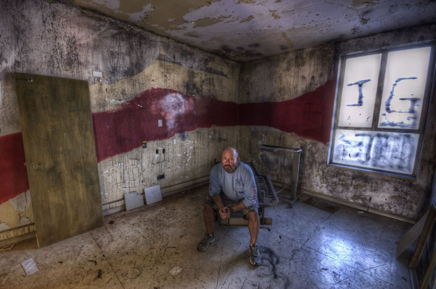 Neil Kremer in red line room, urban exploration and haunted HDR photography of Linda Vista Community Hospital