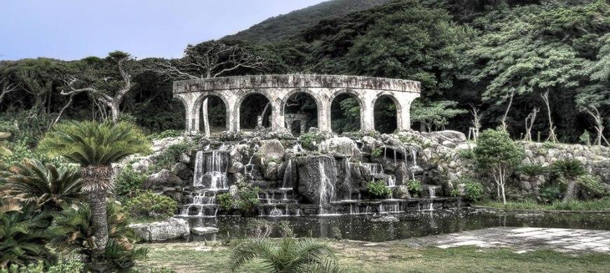 Rome tombs and crypts imitated on the coast of Tokoyo - Nijima island