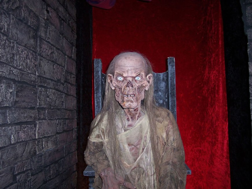 The Crypt Keeper - Hollywood wax museum