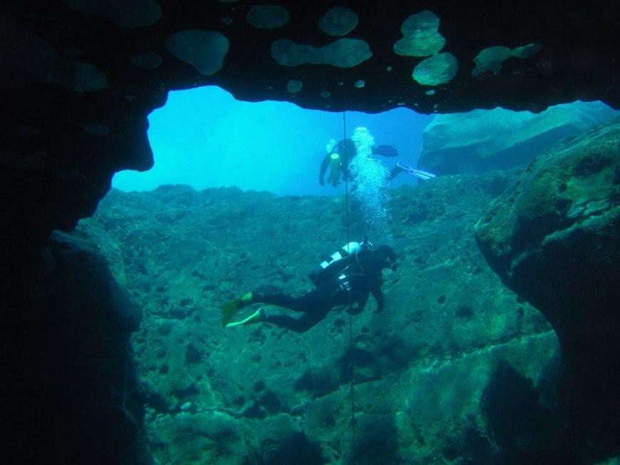 Adrenaline Junkies Cave Diving Vortex Spring [Pics, Videos