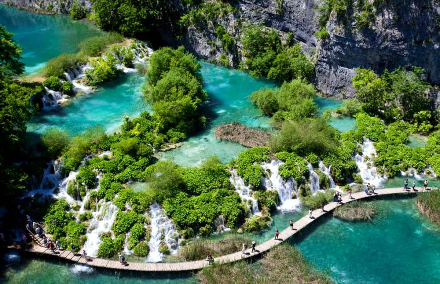 Walking through Plitvice NP