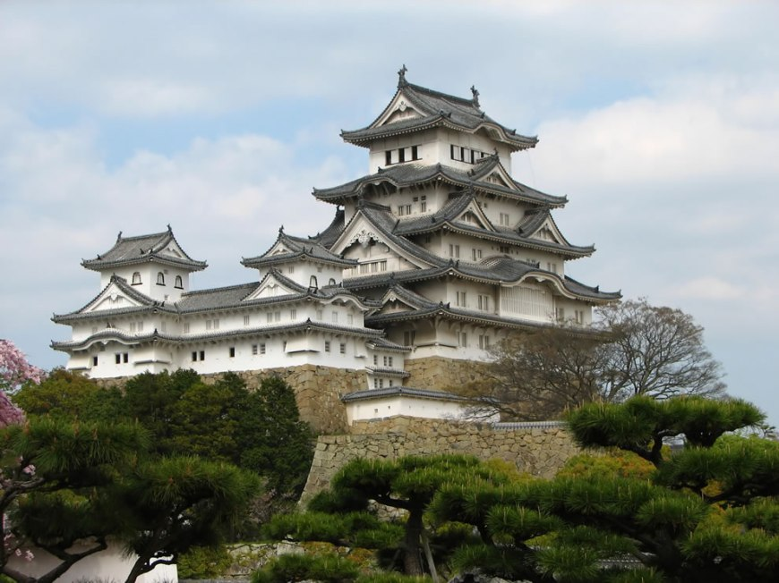 #18 – 19 votes in Final; Himeji Castle, Himeji, Hyogo Prefecture, Japan