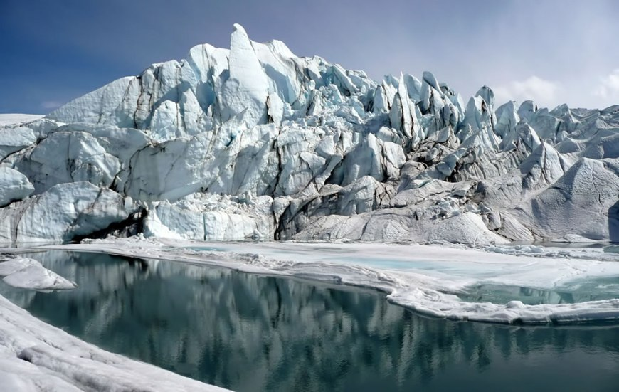 #24 – 11 votes in Final; Mouth of the Matanuska Glacier in Alaska Wikimedia Commons Picture of the Year winner