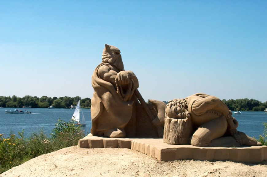 Executioner Sand Sculputures during the Summerfestival in the Dutch village
