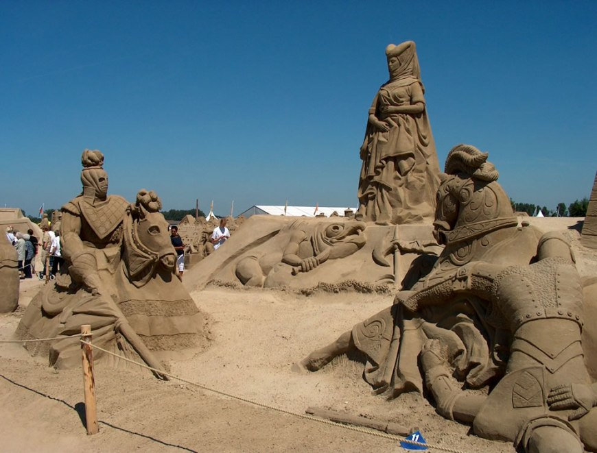 Knight Tournament sand sculpture