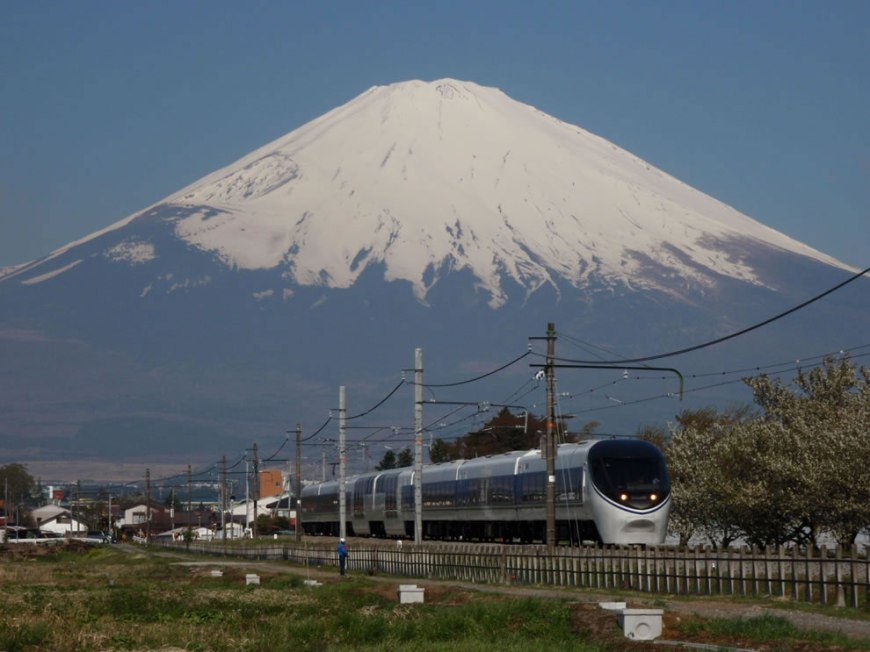 Limited Express, the Asagiri, in Gotemba line against the background of Mt.Fuji
