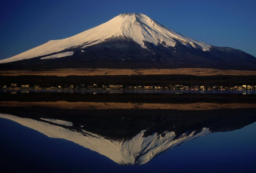 Mount Fuji from Lake Yamanaka 山中湖