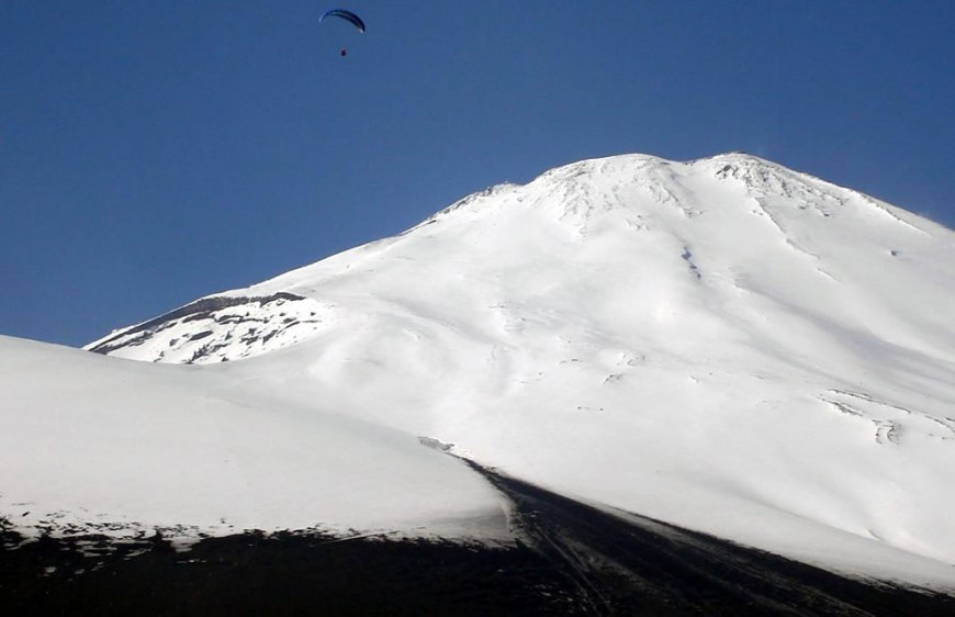 Paraglider at South side of Mount Fuji, view from Gotenba